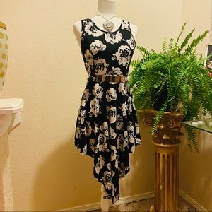 """Flowering Dress in white and black size """"8"""""""
